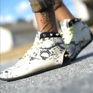 "Melody Ehsani x Reebok Shoes - Melody Ehsani ""Love"" Sneakers"